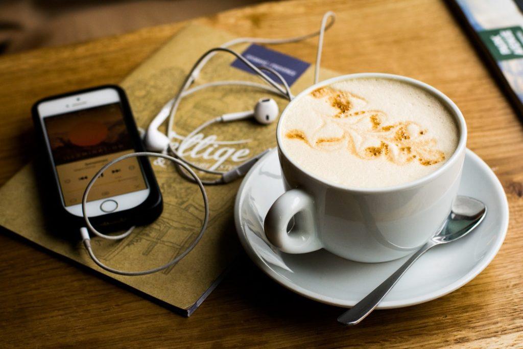 ipod или iphone