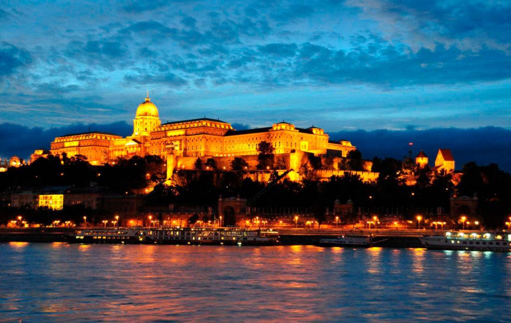 Достопримечательности Будапешта:Будайскийзамок