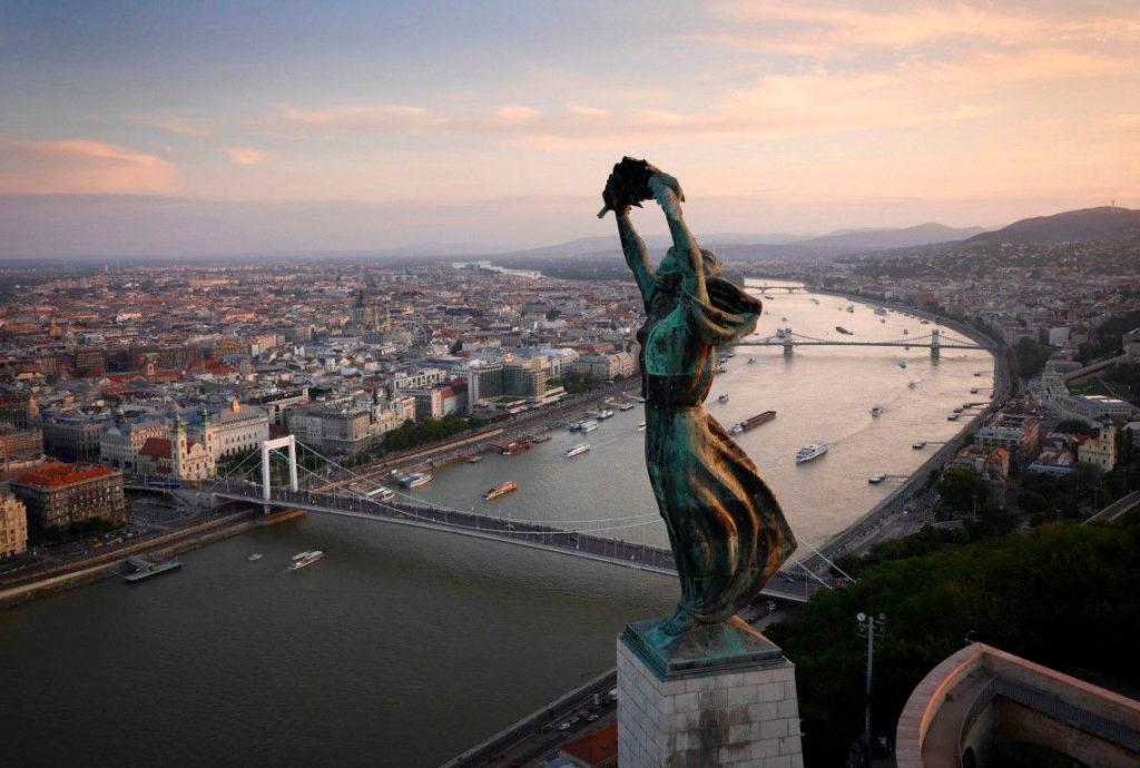 Статуя СвободыБудапешт
