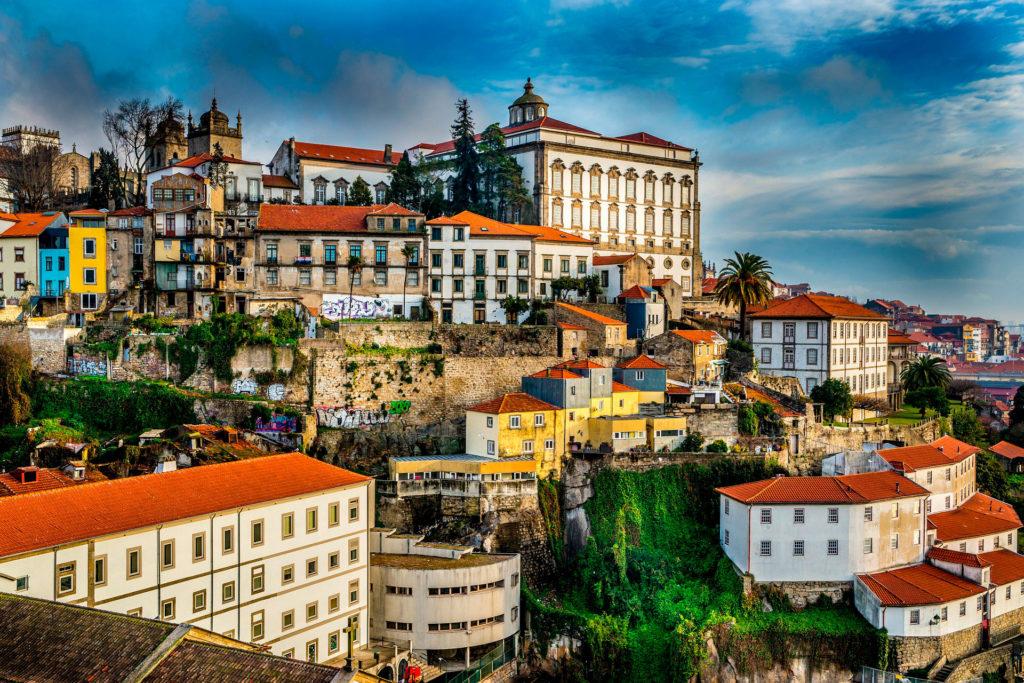 Минимальная зарплата в Португалии