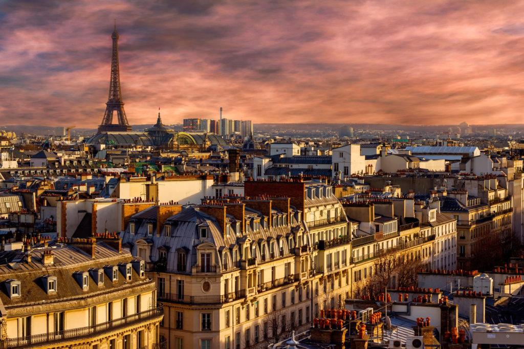 Минимальнаязарплата во Франции Париже