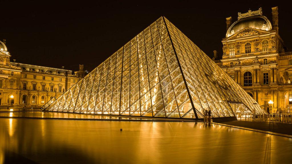 Достопримечательности Франции: Лувр (LeLouvre)